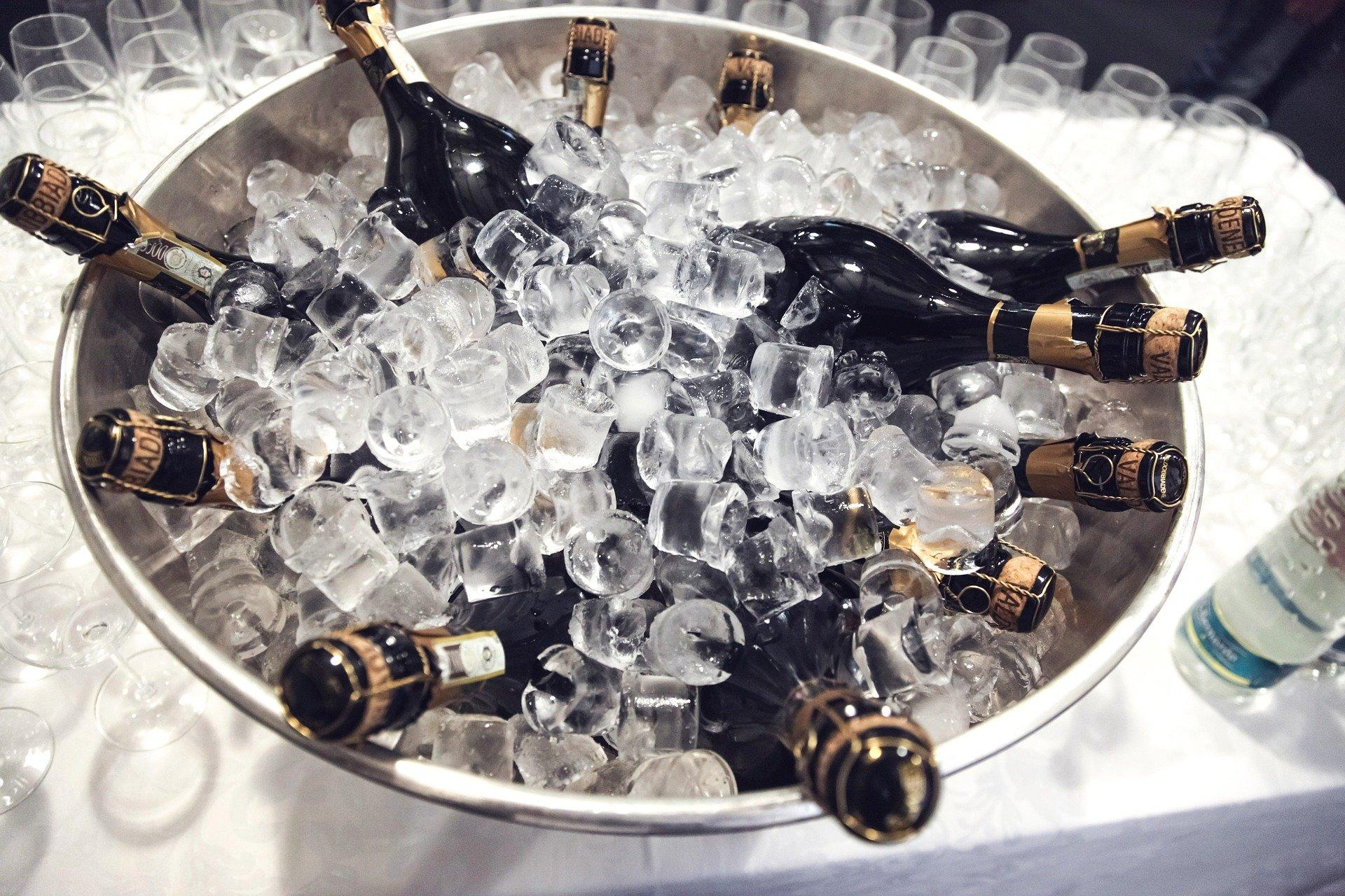 Scheune Schleinitz: Champagner auf Eis